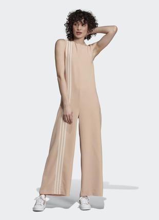 Супер крутой женский костюм комбинезон adidas размер 12/l