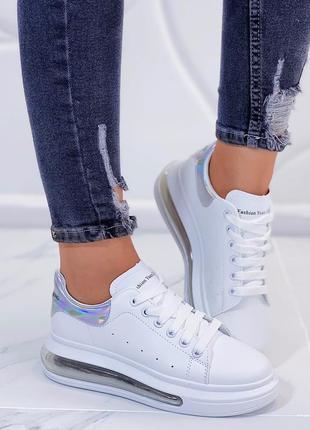 Кроссовки белые с серебристой пяткой