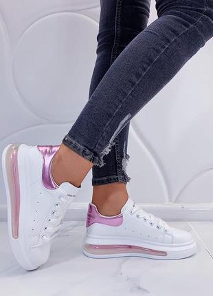 Кроссовки белые с розовой пяткой
