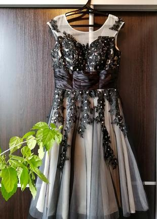 Шикарнейшее платье сукня цветы от grace karin