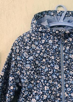 Ветровка куртка бренда ostin цветочный принт