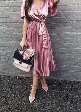 Ликвидация товара 🔥 елегантное платье с плиссировкой prettylittlething
