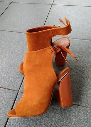 Босоножки ботинки
