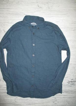 Хорошенкьая котоновая рубашечка фирмы f&f на 9 лет