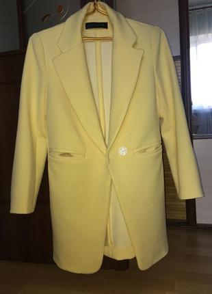 Яркое солнечное пальто кардиган тренч фирмы zara размер s