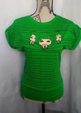 Зелёная женская футболка с коротким рукавом летучая мышь