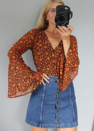 Нова! нереальна блуза в квіти з вирізом на спинці asos