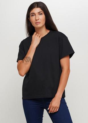 Черная базовая футболка! - обязательная вещь вашего гардероба.