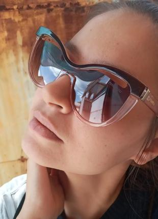 Miu miu италия распродажа остатков витрины стильные очки кошки лисички