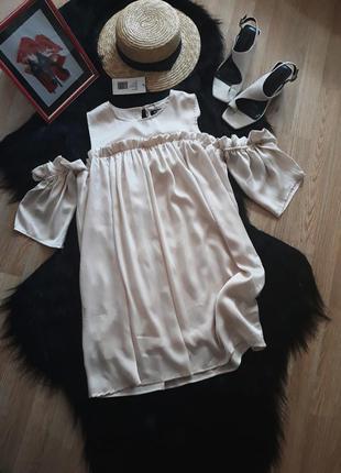 Новое платье  оверсайз с рюшами на плечи сатин атлас 1+1=3
