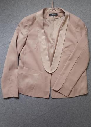 Обалденный пиджак кремового цвета размер 12