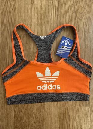 Спортивний топ adidas(s-m)