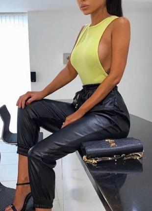 Штаны джоггеры брюки джинсы эко кожа кожаные на высокой посадке кожані