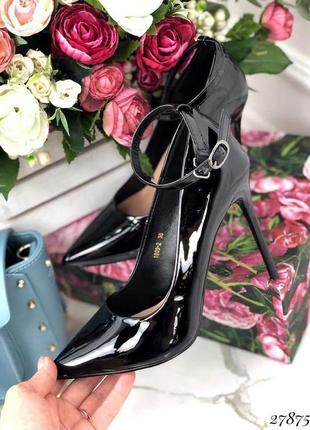 Стильные лаковые туфли на шпильке супер качество