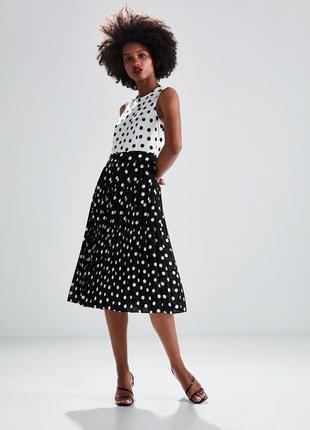 Платье миди с плиссировкой в горох zara