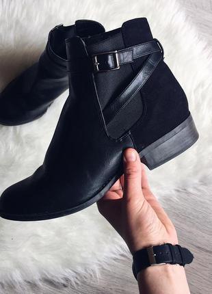 Классные чёрные ботинки /сапоги от new look