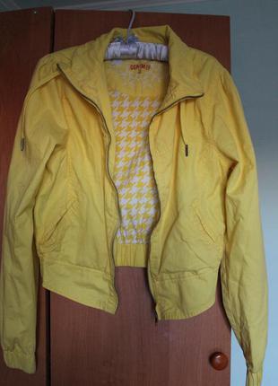 Бомбер яркого лимонного цвета