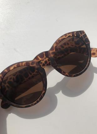 Леопардовые солнцезащитные очки круглой формы !