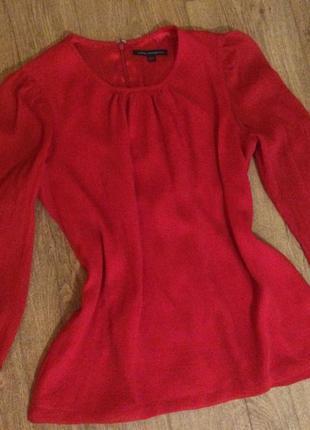 Яркая красная блуза с шифоновыми рукавами