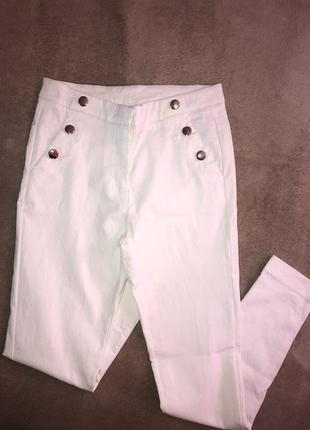 Стейчевые белые штаны