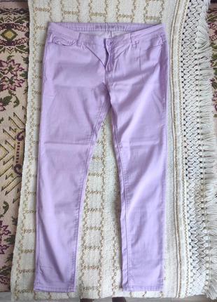Стрейчевые джинсы скинни лавандового цвета 18 размер