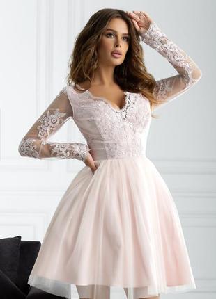 Роскошное нарядное кружевное гипрюровое вечернее платье с пышной юбкой