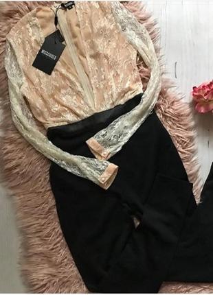 Стильный нарядный комбинезон с глубоким декольте missguided