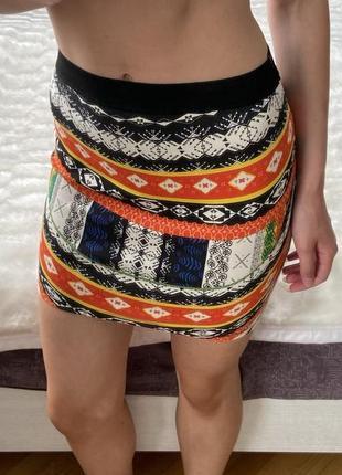 Яркая юбка zara
