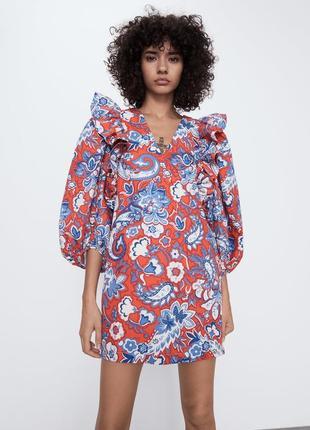 Красивое платье с воланами zara