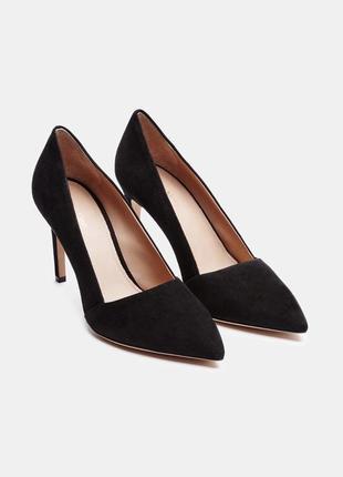 Чорні замшеві каблуки