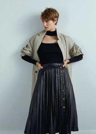 Zara кожаная юбка плиссе миди с пуговицами