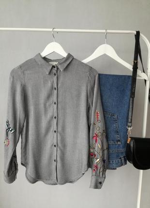 Рубашка с вышитыми рукавами от h&m