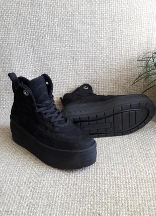 Демісезонні черевики на платформі шкіряні оригінал tamaris розмір 37