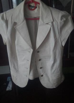Жіночий літній піджак