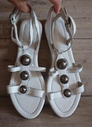 Белые босоножки сандалии тамарис tamaris 39-40р 26 см кожа