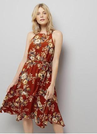 Актуальное асимметричное воздушное платье миди с поясом в цветы/сарафан