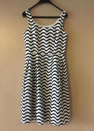 Платье волнами, р. 10 marks & spencer