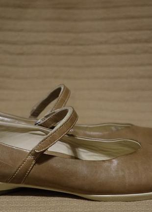 Легенькие фирменные кожаные туфельки оливкового цвета ecco дания 41 р