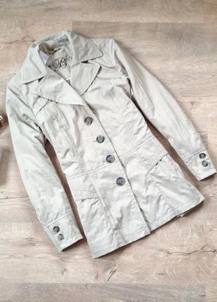 Светлая демисезонная куртка bexleys. скидка10%на2вещи!)1