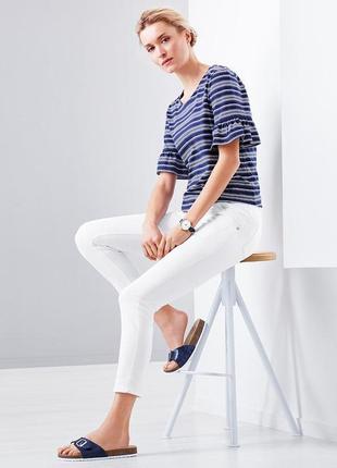 Стильные белые джинсы с вышивкой .подчеркивающие фигуру tcm tchibo
