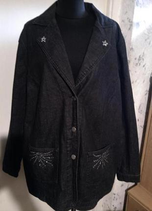 Стрейч-джинсовая,стильная куртка-жакет с карманами,стразами и клёпками,большого размера