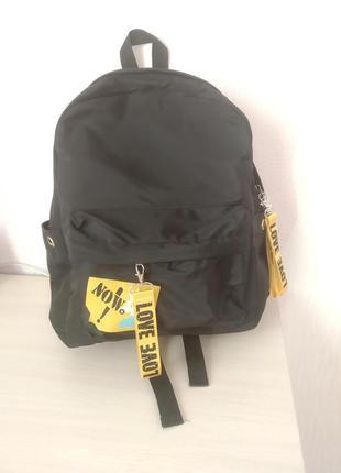 Черный рюкзак intertop