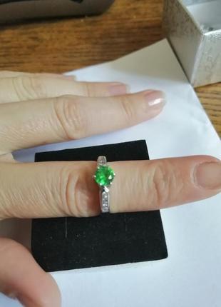 Новое кольцо с сапфиром