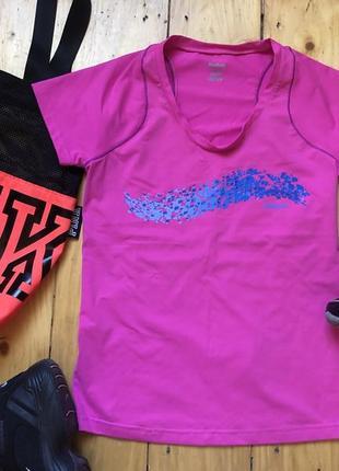 Яркая спортивная футболка puma reebok adidas
