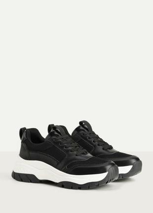 Кроссовки чёрные на очень весну на платформе bershka оригинал