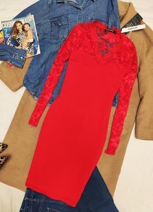 Красное алое гипюровое платье по фигуре новое карандаш футляр sunnyfair миди