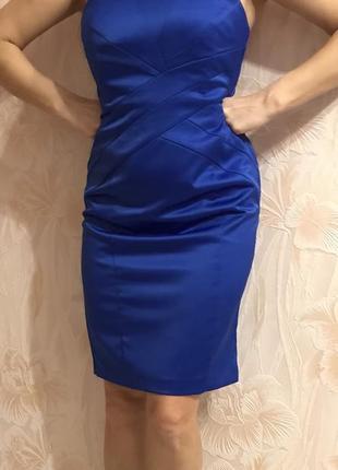 Красивое нарядное яркое открытое платье  р. 44