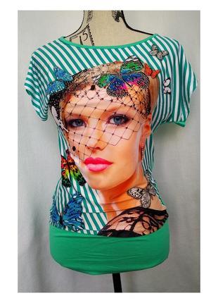Красивая женская футболка с фотопринтом
