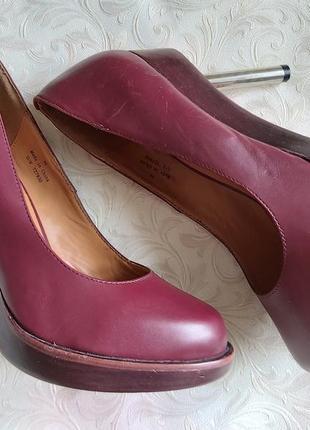 Новые кожаные туфли лодочки 40 р марсала
