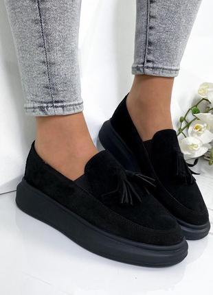 Чёрные замшевые туфли лоферы на платформе,замшевые лоферы с кисточками
